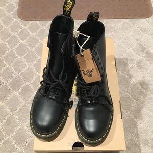 Dr. Marten boots black size 6